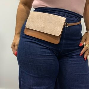 Handbags - Small Fanny Pack (Belt Bag)